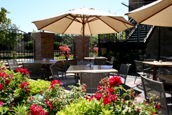 Front Street Bar & Grill Patio